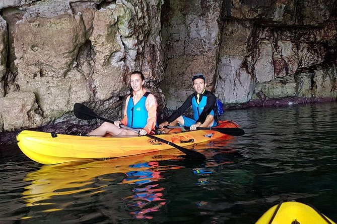 Excursion Kayak Cova Carved (2h 30m) Kayak + Caving + Snorkel