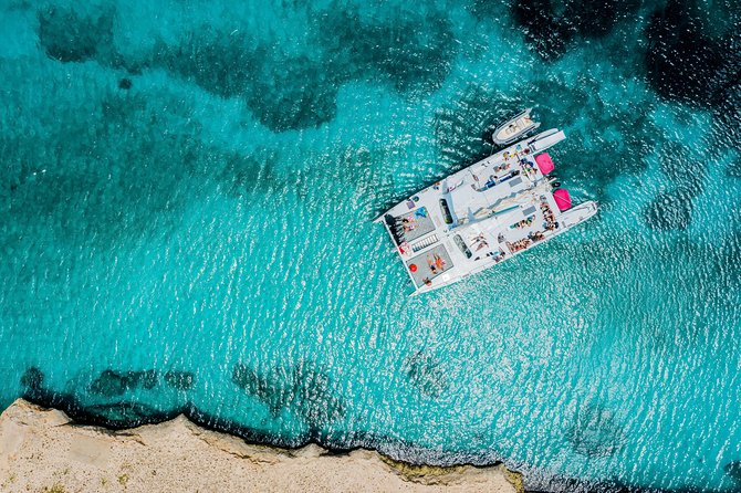 Catalina Bay, Antilla Shipwreck Snorkel Cruise with Open Bar