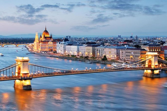 Private Airport Transfer Budapest Airport (BUD) to Budapest city centre-Minivan