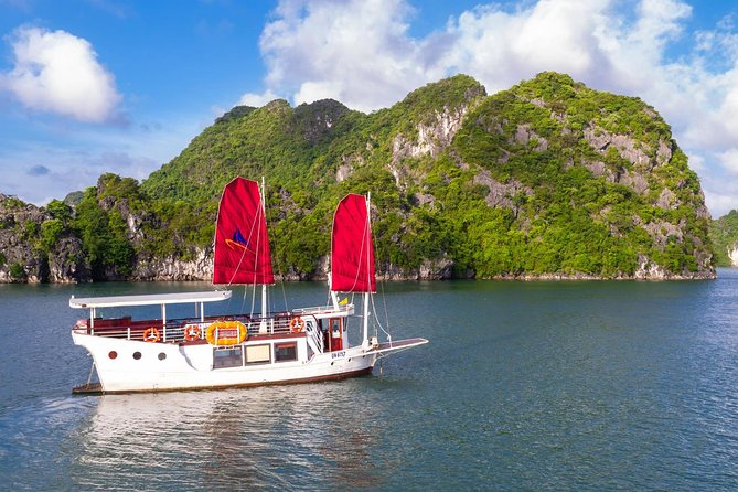 AMAZING SAILS EXPLORER- LUXURY HALONG PRIVATE TOUR (MAX 7PAX)