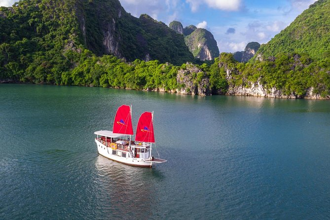 From Tuan Chau Island: LUXURY 08 HOUR CRUISE TO EXPLORE HALONG BAY (7Pax MAX)