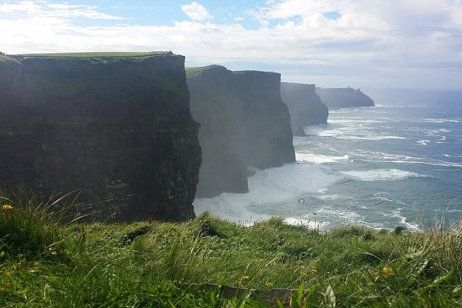 Luxury Private Chauffeur tour to the Cliffs of Moher with Cliff Boat Tour