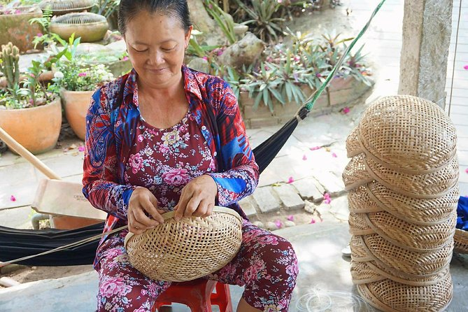 Private Mekong - 2 Days: Workshops, Rowing, Biking, Homestay & Floating Markets