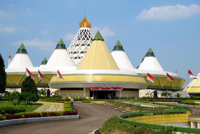 Full Day Indonesia in Miniature Park Tour (TMII) photo 6