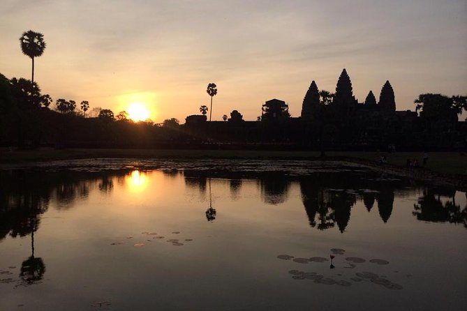 One day Angkor temple with sunrise photo 9