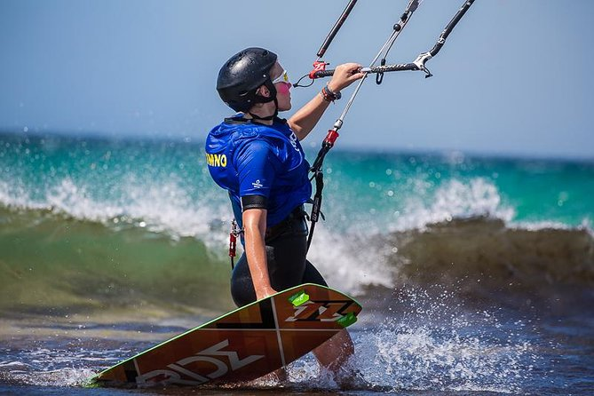 Private Kitesurfing lessons (adapted to every level)