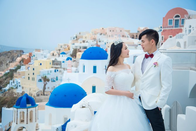 Santorini private photo shooting tour!!!Let us capture lifetime memories for U!