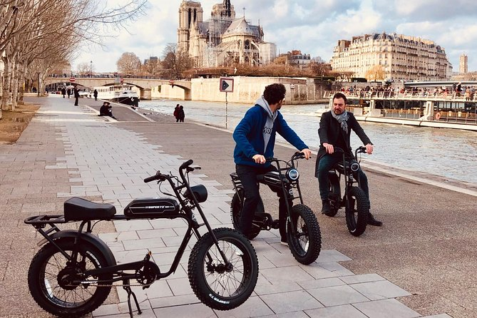 Parisian ride with Awsome electric bicycle photo 1