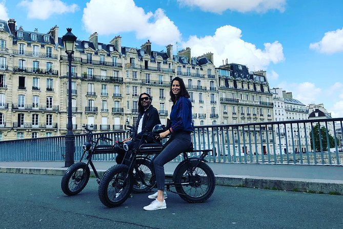 Parisian ride with Awsome electric bicycle photo 3