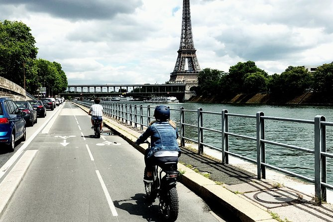 Parisian ride with Awsome electric bicycle photo 7