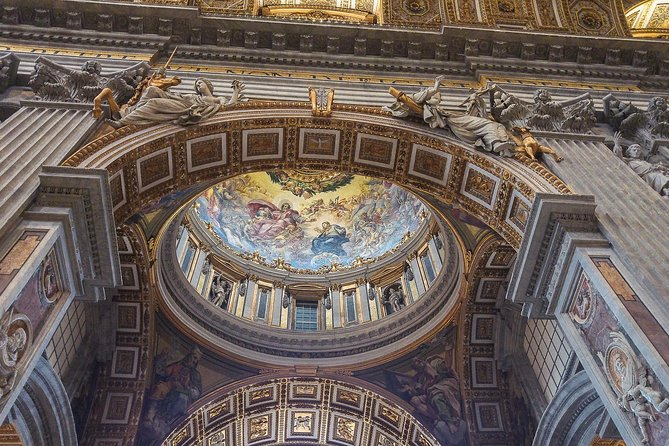 Visiting Rome: Vatican Museum & Colosseum Guided tour