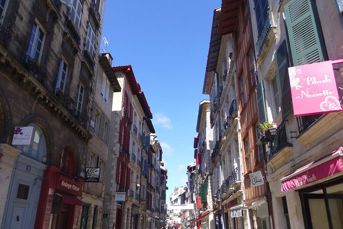Bayonne 2000 years of history and uniqueness (city tour)