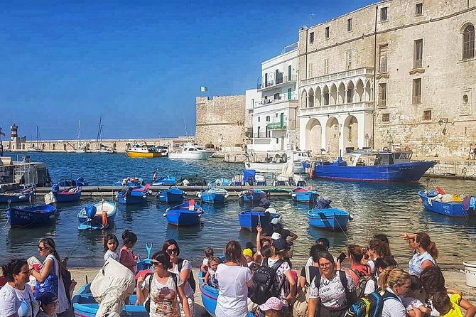 Monopoli Tour among legends and gastronomy