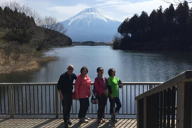 Private tour to Lake Tanuki, Shiraito Falls... for cruise ship passengers