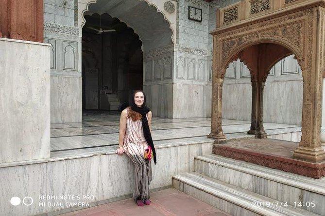A Walk to Old Delhi Bazaars,Culture,Street Food Tasting and TukTuk/Rickshaw Ride