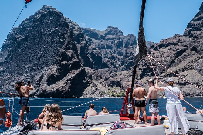 Masca & Gigantes Whale Watching, Lunch, Drinks and Swim Stop, Tenerife, ESPAÑA