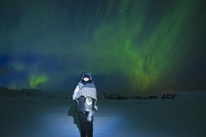 Exclusive Northern Lights tour by a luxury V-Class - With a little extra photo 3