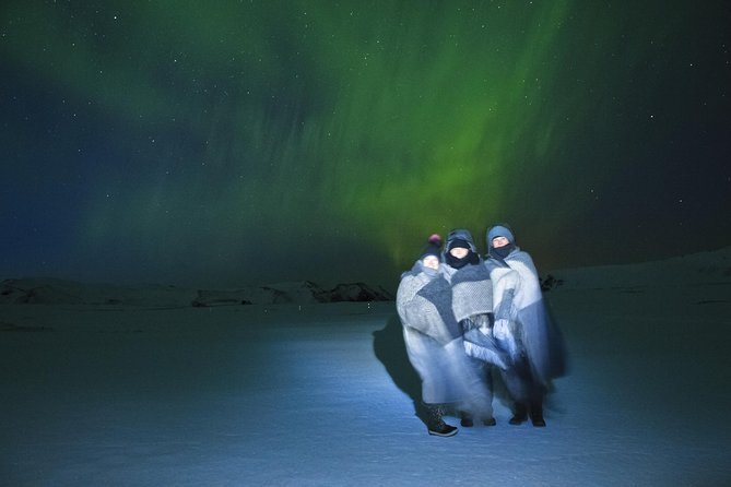 Exclusive Northern Lights tour by a luxury V-Class - With a little extra photo 4