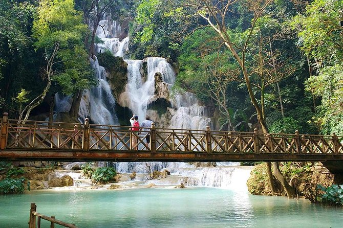 Kuang Si Waterfall Minibus Ticket (Private)