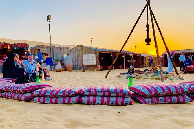 Safari por el desierto nocturno con barbacoa Dubai y paseo en camello