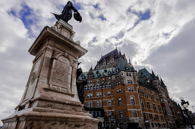 Quebec City Tourist Scavenger Hunt