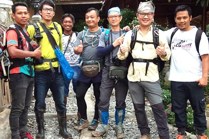 3D2N - 2 Days Treks, Transport and Hotel