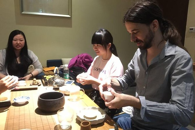 Chinese Tea Tasting and Traditional Art Class photo 9