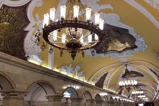 Private Tour: Central Moscow Underground Iconic Metro Stations