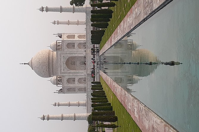 1- Day Agra Tour visiting Tajmahal & Agra Fort by Private Car