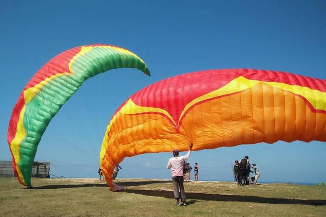 Bali Paragliding tours with private Hotel transfer And in flight Photos/Videos