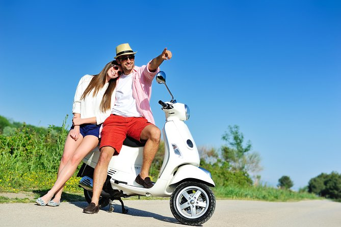 """Rentals Scooter 2 Hours +1 HR Free , 2 Passengers, Retro """"Lucky"""" 49cc"""