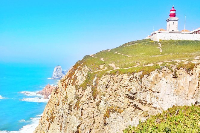 Visit the Eurasia Continental Endmost Roca Fort and World Heritage Site Sintra (dedicated car rental, with pick-up, Japanese Guide)