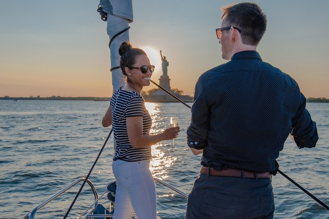 Couple's Private Sailing Yacht with Statue of Liberty Tour
