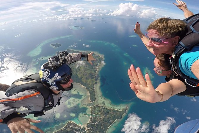 Skydive Fiji Legend 14000ft Tandem Jump (60 seconds free fall)