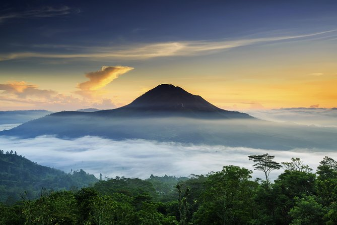 Bali Cycle Tour of Mount Batur & Hot Springs – Full Day