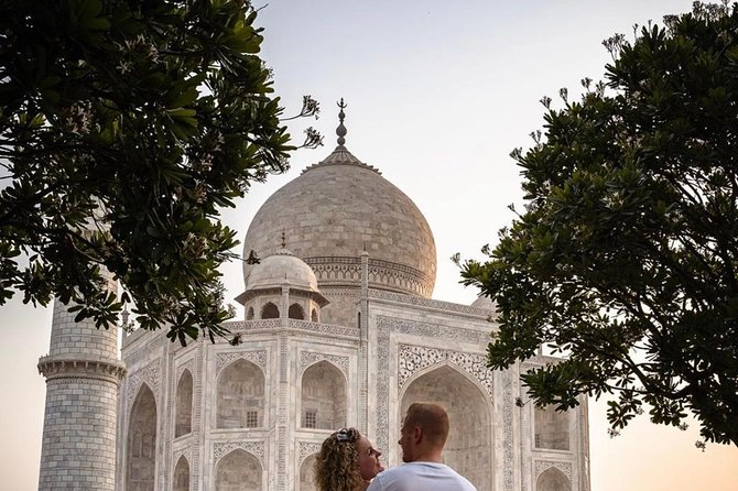 Day tour to Taj Mahal & Agra fort from Delhi,5 star hotel lunch included . photo 25