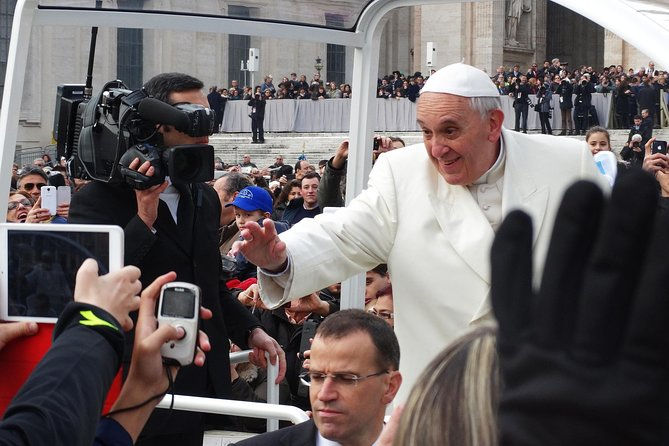 Rome: Pope's General Hearing in St.Peter's Square Exclusive Delivery