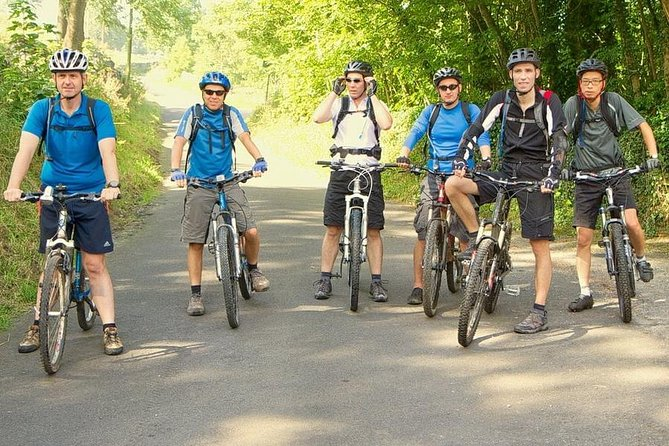 Guided cycling tour in Colombo