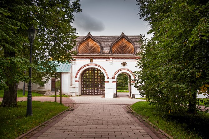 Tour Kolomenskoye estate (duration 5 hours)