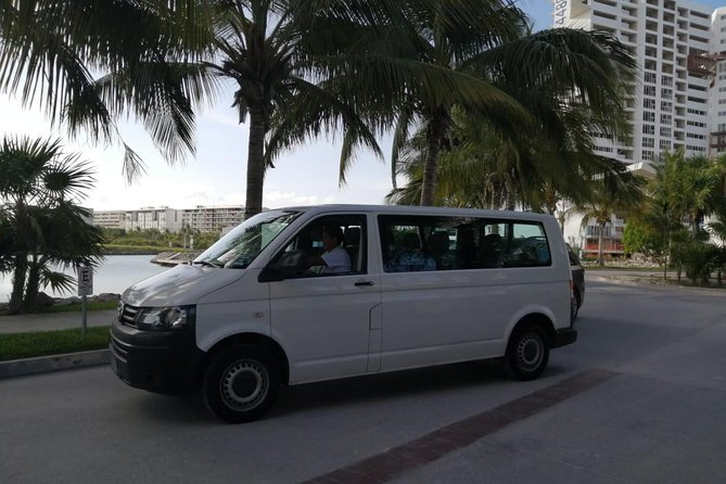Round trip private AC Airport Transfer to Cancun Hotel Zone