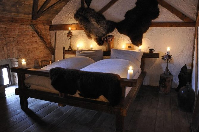 Night in Haunted Hotel: Back to Middle Ages