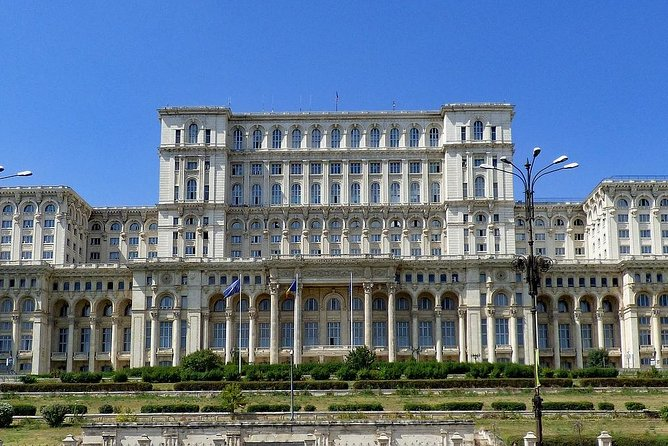 Bucharest: Welcome Private Tour w/ a Local