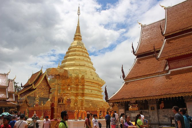 Private LandMark tour! Doi suthep+Hmong hilltribe + Umbrella village&Hot spring photo 8