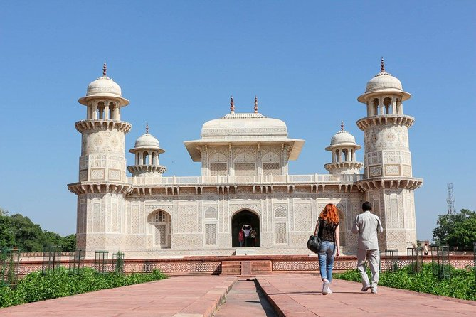 Agra Tour: Visit Taj Mahal, Agra Fort & Enjoy Mughalai Mehandi Design