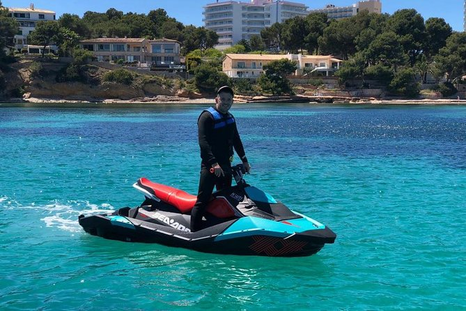 Hourly Jetski rental (min 2 hours) License required photo 1