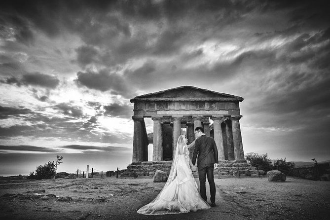 Private Photo Session with a Local Photographer in Agrigento