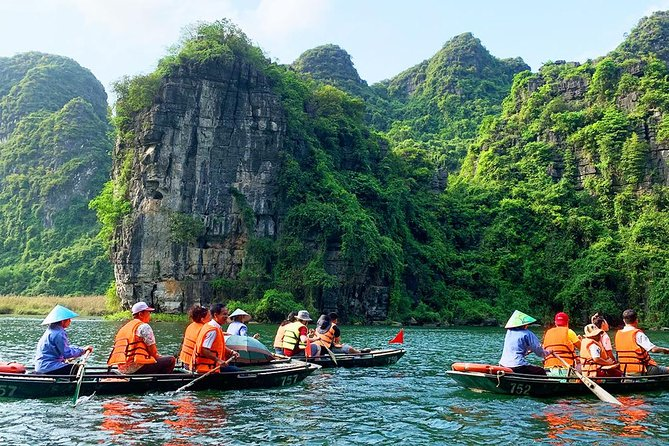 From Hanoi : Top Sightseeing Trang An & Hoa Lu Wonderfull Landscape photo 2