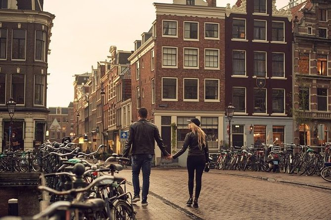 Private Photo Session with a Local Photographer in Amsterdam
