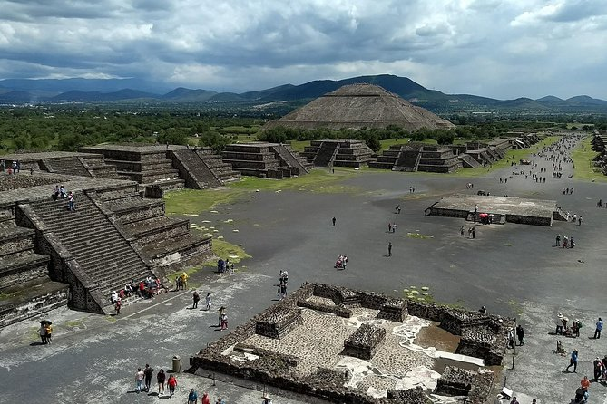 Day trip to Teotihuacan and the Pyramids photo 3