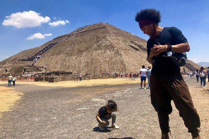 Day trip to Teotihuacan and the Pyramids photo 16